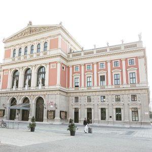 Am 2. Juni wird Mariss Jansons ein exklusives Abokonzert der Wiener Philharmoniker dirigieren! Wir streamen das Konzert...