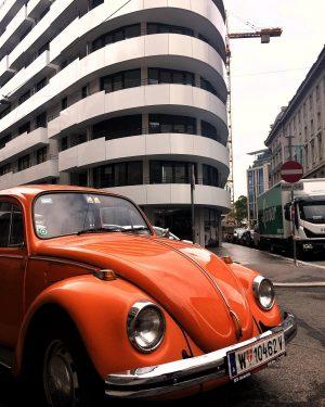 🚗 #vienna #austria #street #oldcars #architecture