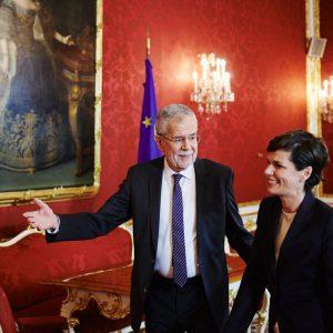Mein Gespräch mit Bundespräsident Alexander Van der Bellen hat begonnen. Für uns ist das Sinnvollste, in dieser...