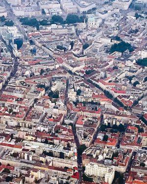 flight with a view #vienna #wien #wienvonoben #flightwithaview #airplaneview #flugmitaussicht #windowview #airplaneview #blickausdemfenster ...