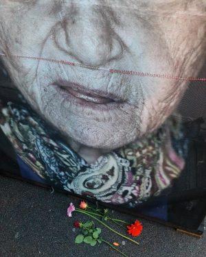 Gegen Gewalt, Gegen Hass, Gegen Antisemitismus #Mahnwache #nichtvergessen #gegendasvergessen @toscano7327 Heldentor (Burgtor) - Äußeres Burgtor