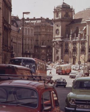 Rückblick ins Jahr 1973: Zu dieser Zeit waren die Autos auf der Freyung ...
