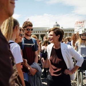 Jeden Freitag gehen tausende Jugendliche auf die Straße, um laut für den Klimaschutz zu demonstrieren. Ihr nehmt...