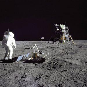 High Moon: Eine Sonderschau über 50 Jahre Mondlandung.🌛🌚🌜 © NASA #newexhibition #highmoon #moon ...