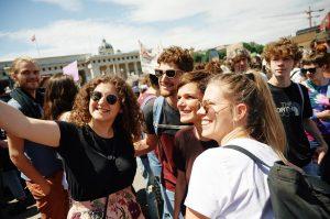 Wieder haben heute tausende Schüler und Schülerinnen auf der ganzen Welt für eine andere Klimapolitik und Artenschutz...