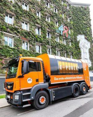 WE GOT THE E-POWER😁! Unsere KollegInnen freuen sich schon das leise und zu 100% elektrische Müllsammelfahrzeug, innerhalb...