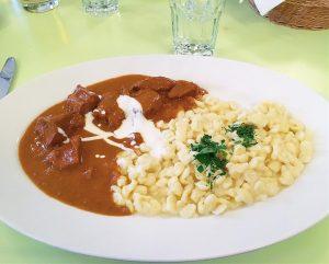 ➖➖➖➖➖➖➖➖➖➖➖➖➖➖➖➖➖ Súper recomendable este restaurante si visitáis Viena. Nos quedaba por probar este ...