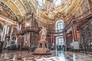 #Vienna #austria🇦🇹 #Wien #viennaaustria #voayge #europe #travel #nationalbibliotekwien #nationalbibliotek #nationallibrary #nationallibraryvienna #library Prunksaal der Österreichischen Nationalbibliothek