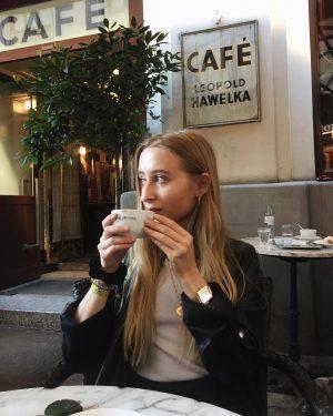 lieblingsbeschäftigung in wien ☕️ #vienna #wien #coffee