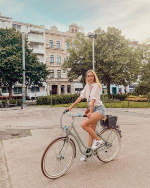 Life is better in summer ☀️ . . . #americanstyle #kissinfashion #carmushka #blogger_de ...