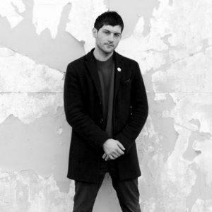 Der New Yorker Perkussionist und bildende Künstler Eli Keszler präsentiert seine neueste musikalische ...