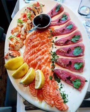 Sashimi Platte mit Languste gekocht #seafoods #seafood #seafoodlover #food #seafoodtime #fresh #fish #like #love #seafoodlove #lobster #scampi...