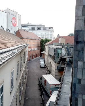 Even the functional backside of the museum quarter looks neat... #wien #museumsquartierwien