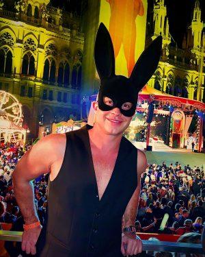 Hey bunnies! Loving Vienna and Lifeball!!! #OverTheTop #LifeBall #EndAids #Vienna #arianagrande 🐰