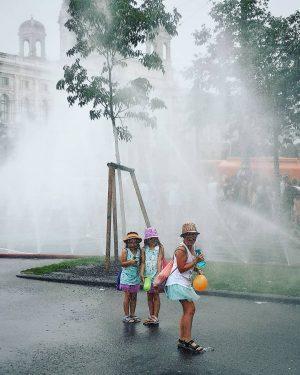 love is love #pride #europride #loveislove #parade #generations #impressions #vienna #viennastreetlife #lovevienna #streetphotography #peoplephotography #viennagram #wienliebe #inthestreets...