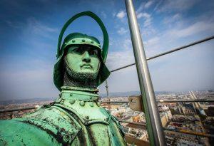Heute ist Tag des Selfies! Deshalb beglücken wir euch mit einem Selfie vom Rathausmann am Dach des...