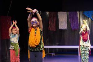 Sommerzeit heißt SHAKE THE BREAK ZEIT! Erlebt Theater oder Tanz in Hülle und Fülle. Beim Workshop: Playful...