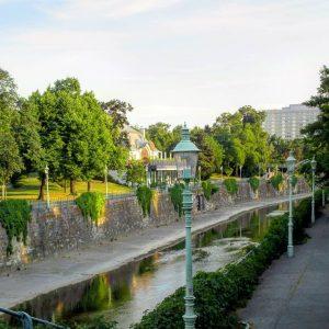 Einen heißen Start in die Woche wünschen wir aus dem Stadtpark! Seit seiner Eröffnung 1862 bietet er...