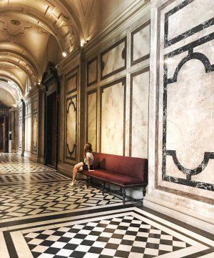 • #lovethisplace • 🏛 ________________________ #museum #vscovienna #wien #vscoaustria #mik #ikozosseg #magyarig #vscohun #love #lifestyle #hello #architecture...