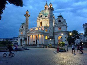 Where is Heidi? 🐶 Karlskirche, Wein