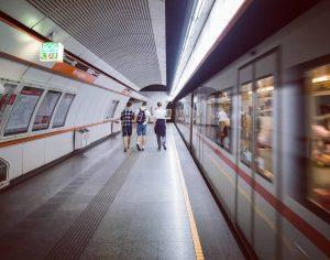 - Jasność vs ciemność, statyczność vs ruch - A to następna stacja wiedeńskiego metra, Herrengasse (Aleja Panów??)...
