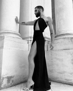 Best of Austria meets Classic @schoenbrunnpalace dress @lukaslindner_atelier heels @louboutinworld pic @djanesch_