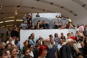 A mountain full of #audience @kunsthallewien #gelatin & #liamgillick @mqwien