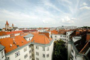 Steht man ganz oben im Lassalle-Hof auf der Terrasse, dann sieht man dieses wunderschöne Panorama über unsere...