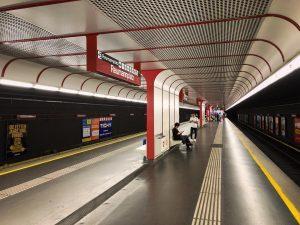 Метро Вены уже привычное., и привычно красное/жёлтое🤗🛑#vienna#wien#austria🇦🇹