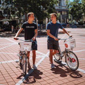 Boxenstopp am Wallensteinplatz nach der City-Bike Tour entlang des Donaukanals. Im heimlichen Herz der Brigittenau lassen sich...