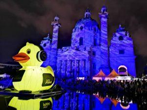 #karlsplatz #karlskirche #duck #yellowduck #popfest #popfestwien #wien #vienna #austria