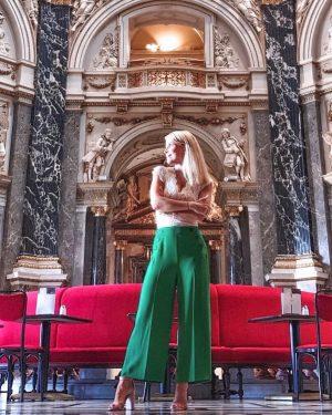 #museumday . . . . . #kunsthistorischesmuseum #kunsthistorischesmuseumvienna #vienna #museum #museumoffinearts #museumlovers #ootd ...