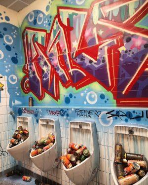 #streetart #gatekunst #graffiti #cans #spraypaint #wienmuseum #wienmuseumtakeover #streetartwien #wienstreetart #streetartvienna #viennastreetart #streetart_monaslilleverden