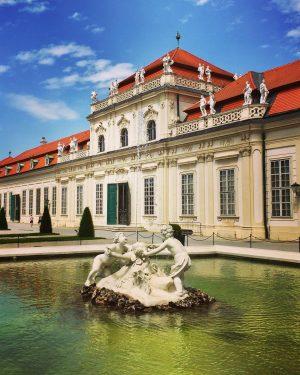 😍#summerinvienna 😎 #unteresbelvedere #strollingaround #belvederemuseum #architektur #art #architecture #kunst #artlove #fountain #springbrunnen #enjoythemoment #itsinthedetails #wien #wienliebe #wienstagram...