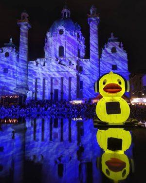 ducktales woohoo #popfest #vienna #summernights #karlskirche