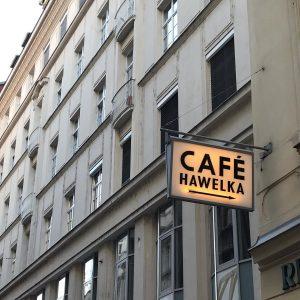 CAFE HAWELKA ☕️ コーヒーショップなので 食事系のメニューはありません。 そしてメニューも置いてない潔さが好き。 * #ハヴェルカ #hawelka #vienna #wien #austria #vienna_austria ...