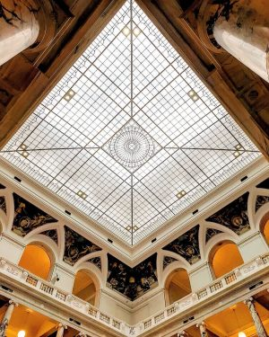 #WeltmuseumWienWednesday with a magnificent view up to the ceiling of our Hall of ...