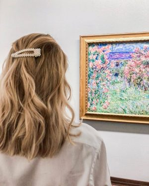Day dreaming of Claude Monet's beautiful garden 😍🌸 And what are you doing ...