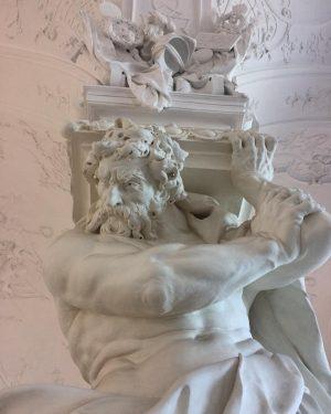 Sala Terrena . . . . . . . . #belvedere #pillars #marble #sculptedpillars #baroquestyle #austria #vienna...