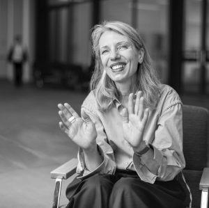 #5 ROOM TO DREAM Der Museumsraum als Freiraum. Belvedere-Chefin Stella Rollig im Interview ... . . Fotografie...