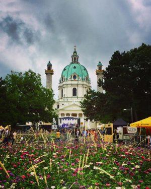😍#popfestwien 😎 #moodyvienna #summerinvienna #karlskirchewien #musicfestival #architektur #art #architecture #kunst #musik #music #enjoythemoment #itsinthedetails #wien #wienliebe #wienstagram...