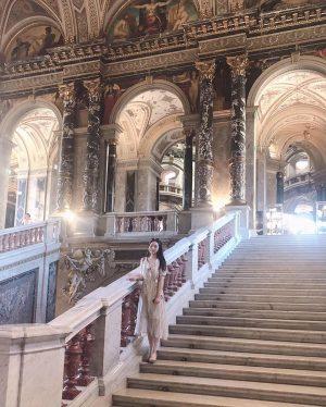 아름다운 곳💛 사진 너무 많지만.. 개인소장😳 #빈미술사박물관 #브뤼헐 #바벨 #요하네스베르메르 #화가와모델 #비엔나여행 #동유럽여행 #여행스타그램 #휴가중 #pieterbruegel #thetowerofbabel...