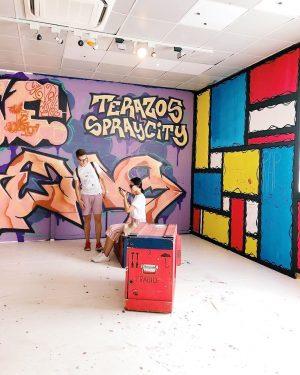 Calle libre 👊🏼 __ #wienmuseum #callelibre #streeart #art #artwork #graffiti #wien #vienna #viennanow #viennagram #museumofmodernart #girlsinmuseums #ihavethisthingwithmuseumpics