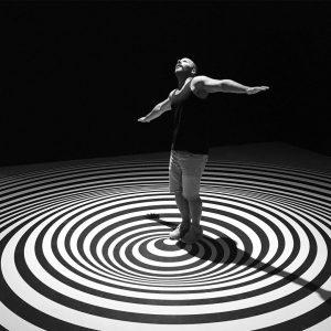 Réalités parallèles dans la même réalité. #vertigo @mumok_vienna #illusion #contemporaryarts #arts #museum