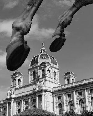 Galloping over Kunsthistorisches . . #vienna #wien #austria #khm #kunsthistorischesmuseum #travel #traveleurope #travelgram #summer