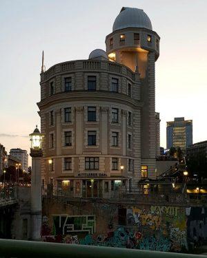 VIENNA/ Urania/ Donaukanal ________________ #goodeveningvienna #urania #sternwarte @klyo.urania @viennatouristboard @1000thingsinvienna @stadt.wien @stadtwien #vienna_city ...