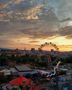 Очень атмосферный парк развлечений в Вене. Как будто оказался в 80ых. #wien#vienna#vienna_austria#viennanow#wien_love#wienliebe#vienna_city#1000thingsinvienna#mood#wienmalanders#viennatouristboard#viennagoforit#viennalove#feelaustria#earthpix#welovevienna#artofvisuals#visitaustria#discoveraustria#city#cityescape#photooftheday#igersvienna#igersaustria#wienistanders