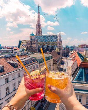 🥂Hoch die Hände, Wochenende!! 😍🙌 Die schönsten Rooftop Bars in Wien haben wir ...