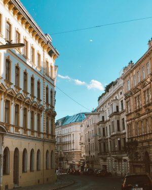 My pretty Vienna 🥰 ————————————————————————- #vienna #austria #forbestravelguide #visitaustria #welovevienna #wien #wonderlustvienna #travelawesome #vscocam #thebestdestinations #wanderlust #travelgram...