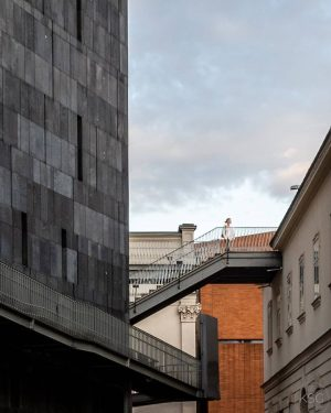 Architectural contrasts at the @mqwien. What struck me here was how the modern architecture frames the classicist...